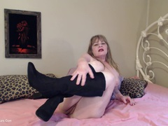 CougarBabeJolee - Nude In Boots HD Video