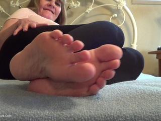 Lick My Pretty Feet I'm H