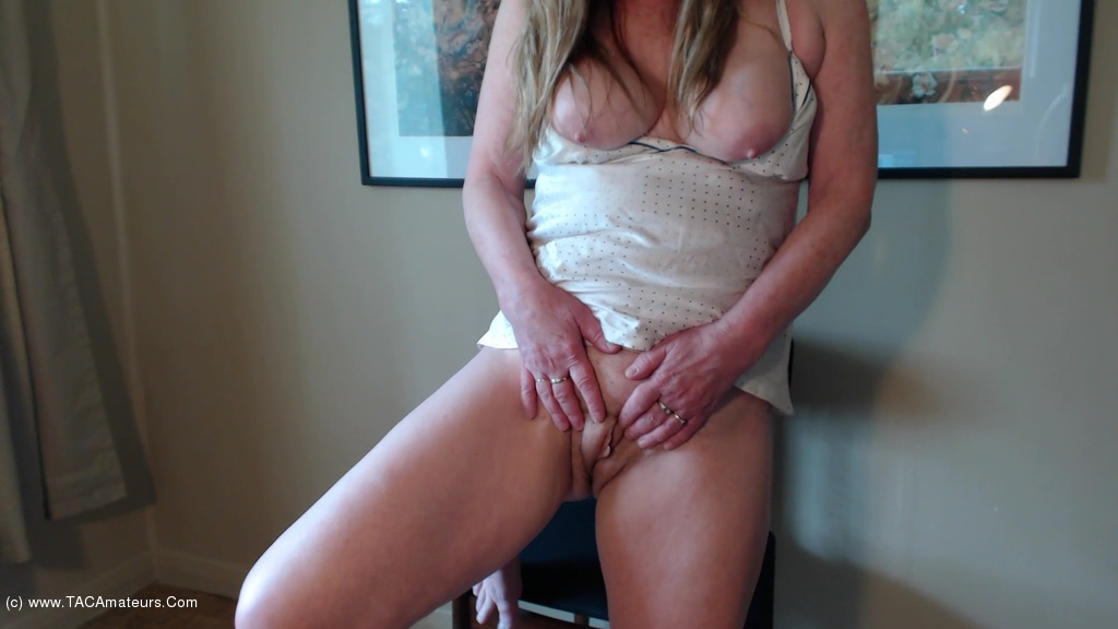 CougarBabeJolee - Masturbation Instruction Let Me Take Care Of You scene 3
