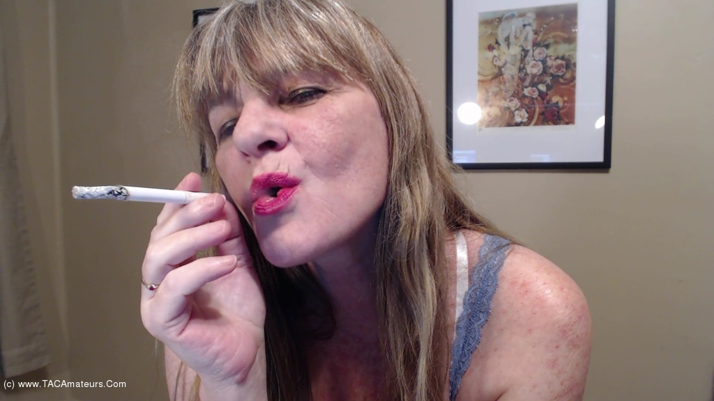 CougarBabeJolee - Blow Some Smoke In Your Face scene 1