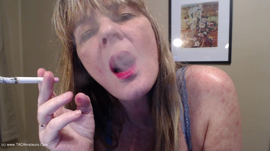 CougarBabeJolee - Blow Some Smoke In Your Face scene 2
