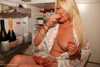 jessicashoneyz - Naughty Nicky Gets Messy Pt1 Free Pic 1