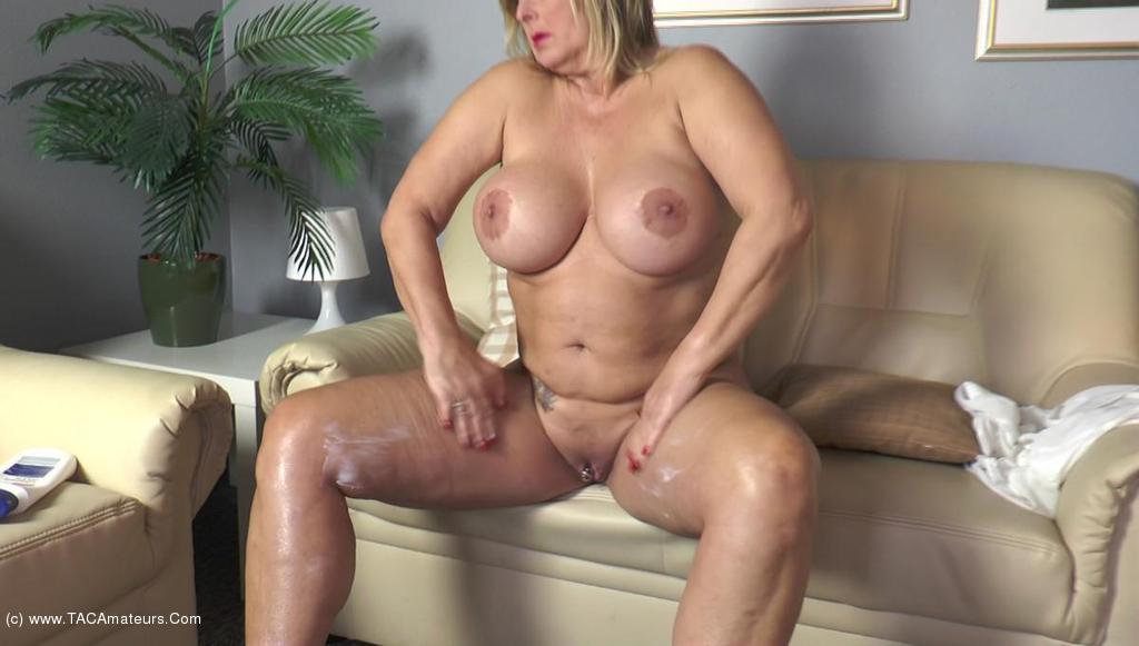NudeChrissy - Creaming My Body scene 0