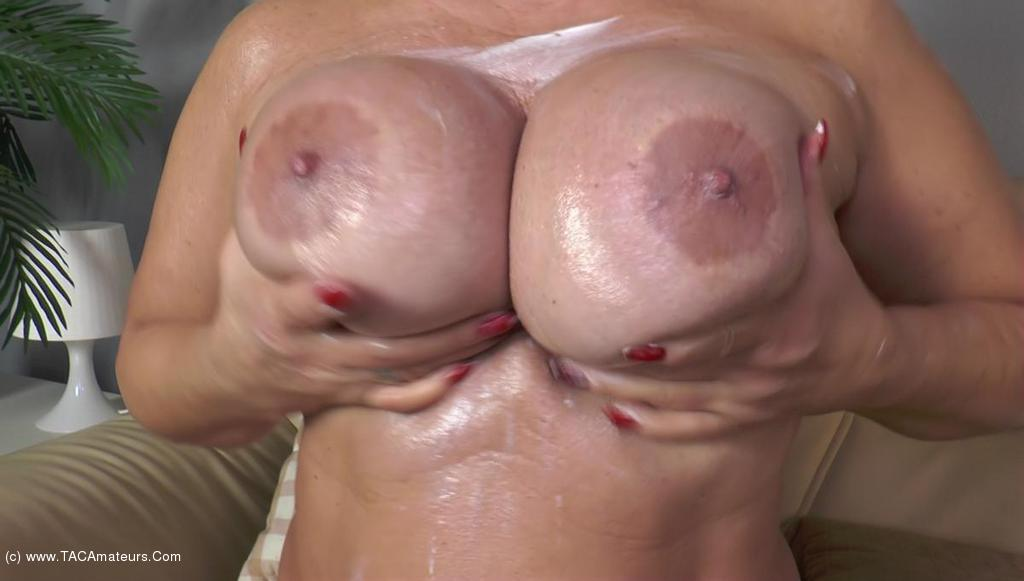 NudeChrissy - Creaming My Body scene 3