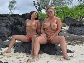 Nude Chrissy - Mauritius Beach Discovery HD Video