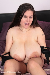 denisedavies - Naked On The Bed Pt1 Free Pic 3