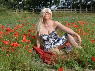 Poppy Field Barby
