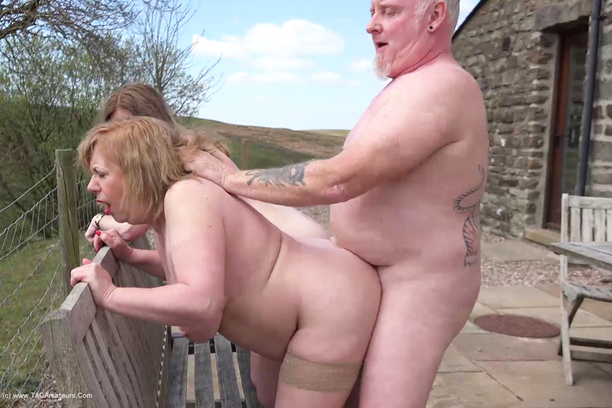 Swinging Couples Nude