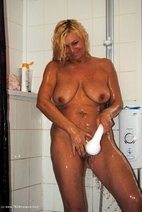 platinumblonde - In The Shower Free Pic 3