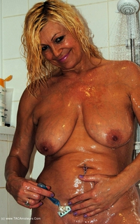 platinumblonde - In The Shower Free Pic 4