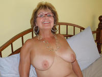 bustybliss - Busty Bliss Is A Golden Hot Girl Free Pic 1