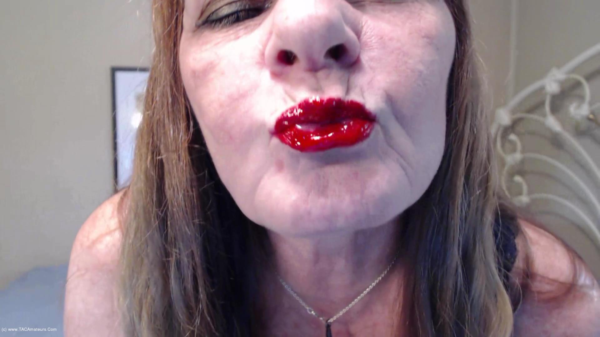 CougarBabeJolee - Red Shiny Lips Teasing You scene 3