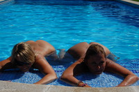 sweetsusi - Two Hot Girls In The Pool Free Pic 1