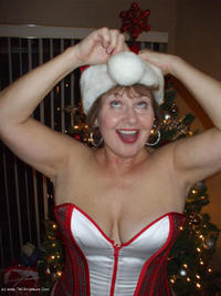 bustybliss - Santa Bliss Has Got A Brand New Bag Free Pic 4