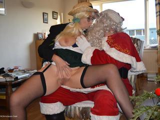 Barby & Naughty Santa Pt2