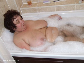 KinkyCarol - Bubble Bath