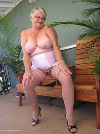 girdlegoddess - Pretty In Pink Free Pic 3