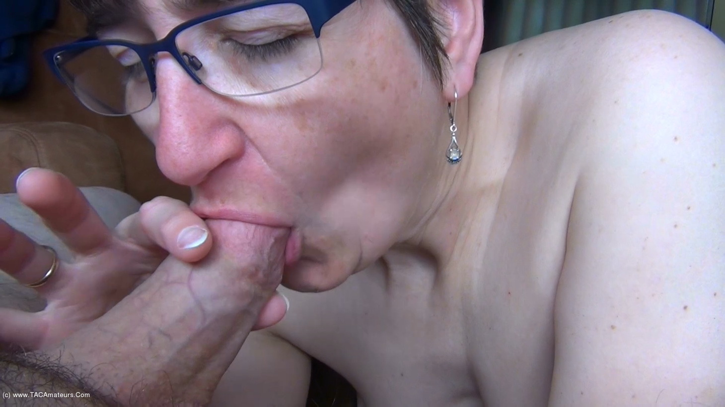 Swallowed everything in the swingers club 6