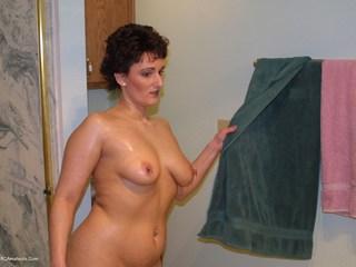 Reba - I Spy A Sexy Lady