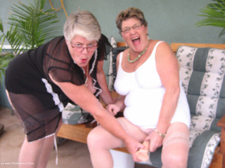 Girdle Goddess - Girdle Goddess  Mistress Sue Picture Gallery