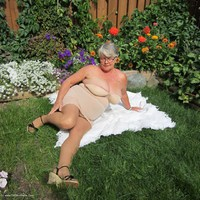 girdlegoddess - A Summers Day Free Pic 3