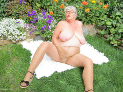 GirdleGoddess - A Summers Day Gallery