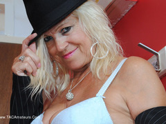 PlatinumBlonde - Hat Gallery