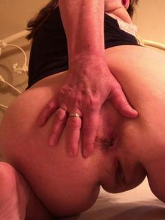 CougarBabeJolee - My Arse Needs Worshipping