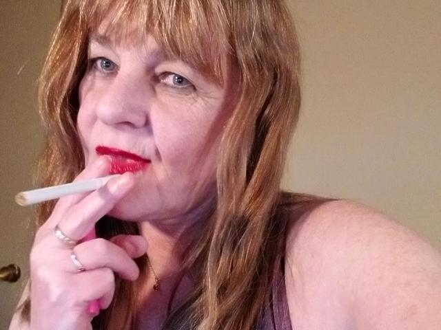 CougarBabeJolee - Sensual Red Lips Smoking