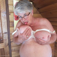girdlegoddess - Bountiful Titties Free Pic 1