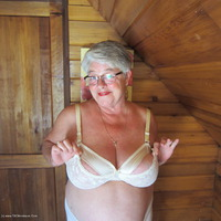 girdlegoddess - Bountiful Titties Free Pic 4