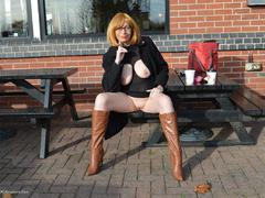 BarbySlut - Barby Wears A Special Dress HD Video