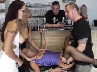 Sweet Susi - Bar Sluts HD Video