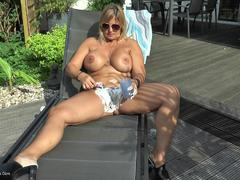 NudeChrissy - Outdoor Pussy Shaving HD Video