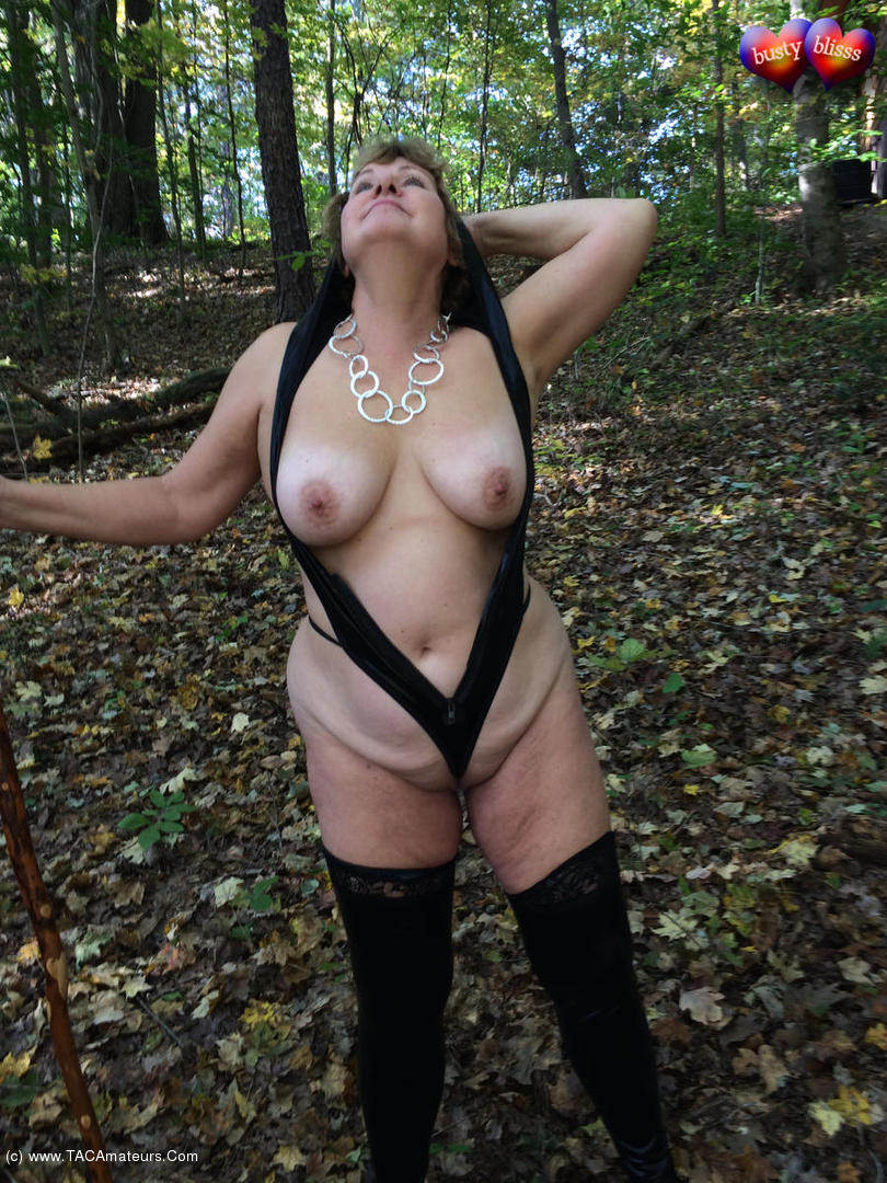 amateurs in topless in the woods