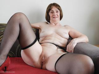 Kat Kitty - Stockings and suspenders Picture Gallery