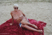 dimonty - Naked On The Beach Free Pic 1