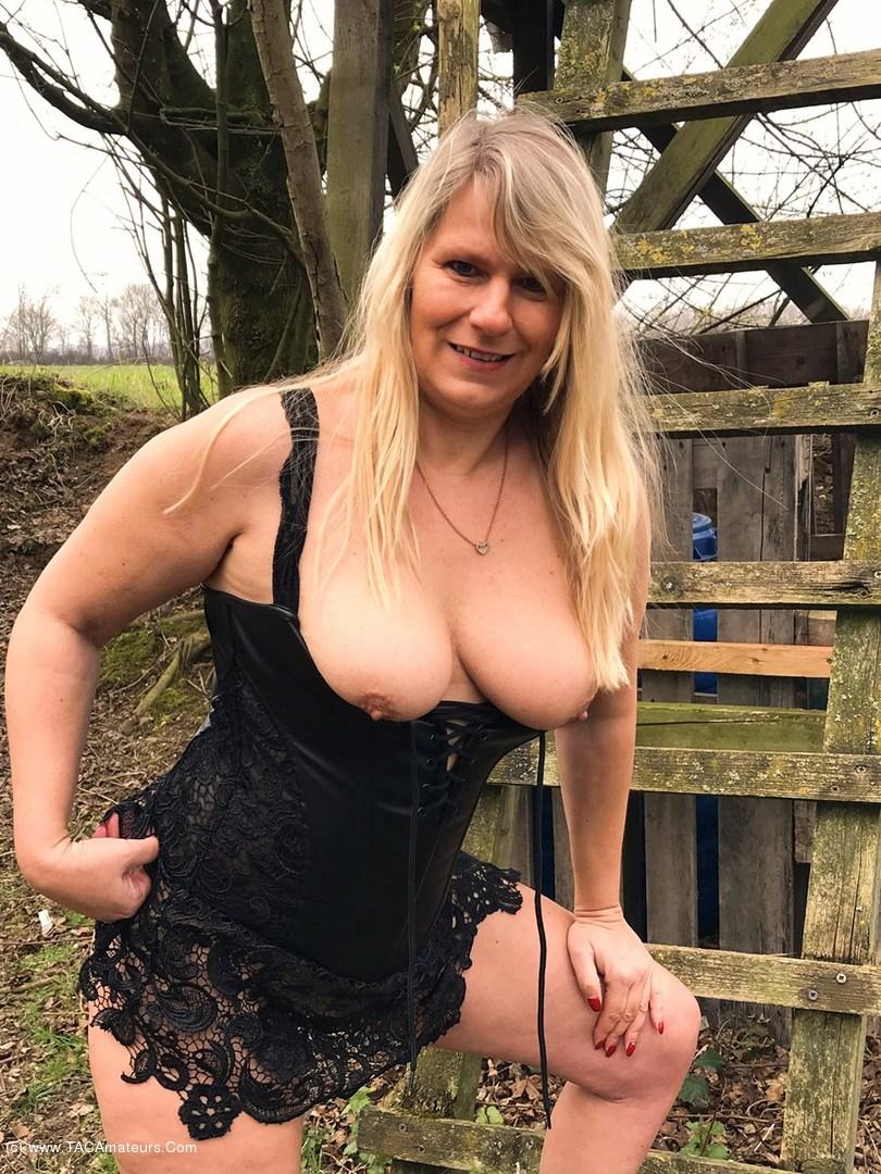 free-hard-nipples-pics