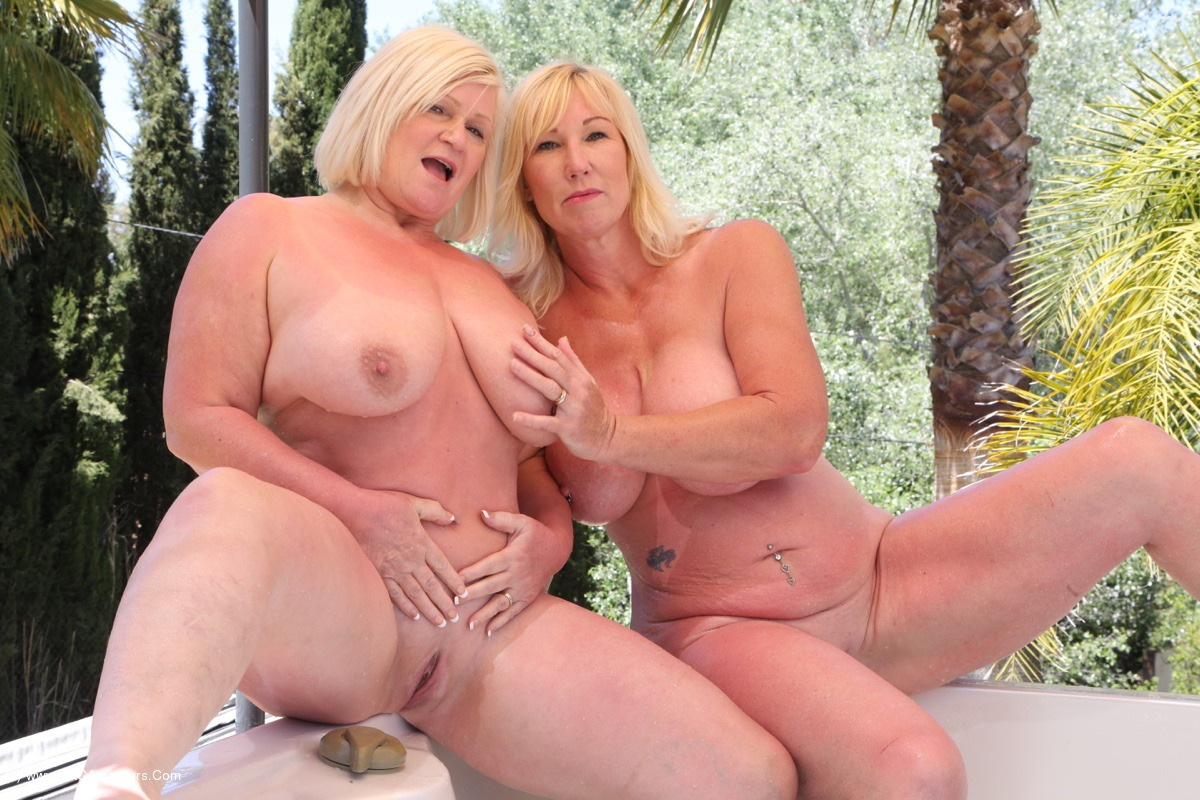 Lesbianj pornb orgam photos