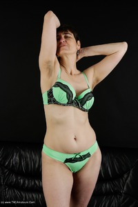 hotmilf - My New Green Undies Free Pic 3