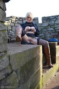 barbyslut - Barby Does Chasewater Free Pic 4