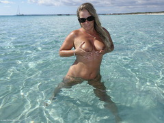 SweetSusi - Sand & Sea Gallery