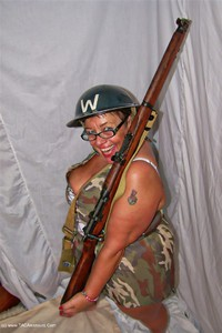 kimsamateurs - In The Army Free Pic 3