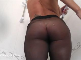Raven Pantyhose Shower