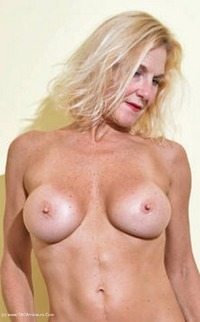 mollymilf - Best Of Molly's Poses Free Pic 4