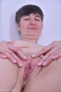hotmilf - Black Corsage Free Pic 4