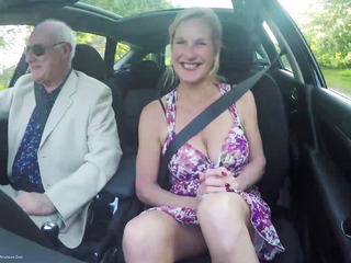 MollyMILF - Flashing In The Car
