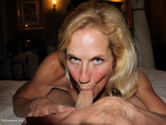 MollyMILF - Having Fun In A Boudoir Hotel Gallery