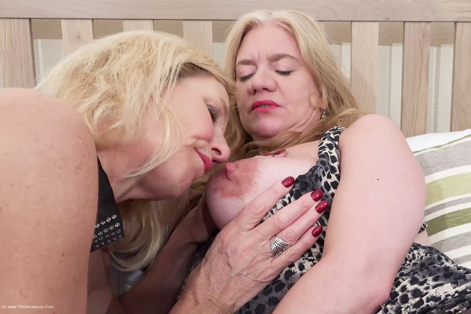 MollyMILF - On The Bed With Lily May Pt1 scene 1