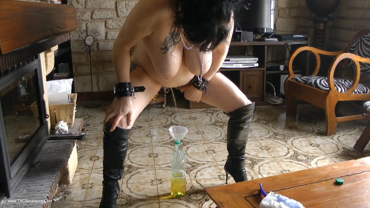 MaryBitch - The Pee Bottle scene 2